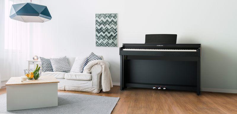 Yamaha CLP-625B Clavinova digitális zongora